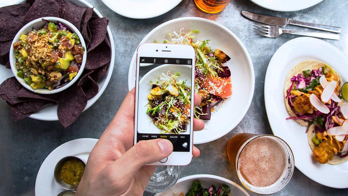 iphone haciendo fotos de comida