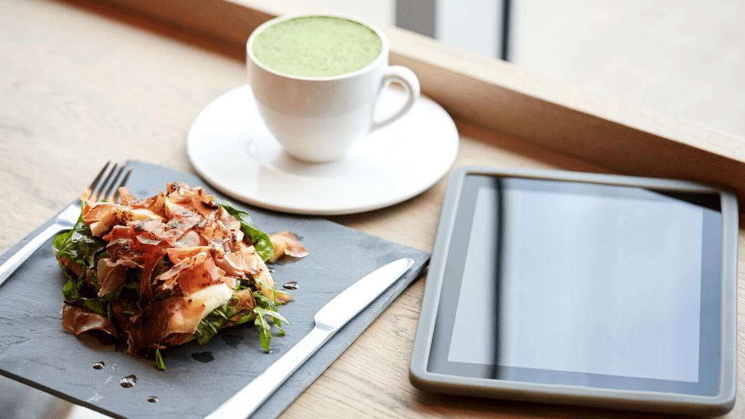 Restaurante con tablets de pedido
