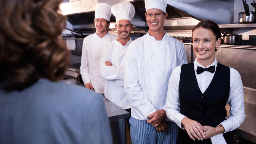 Plantilla de trabajo en restaurante.