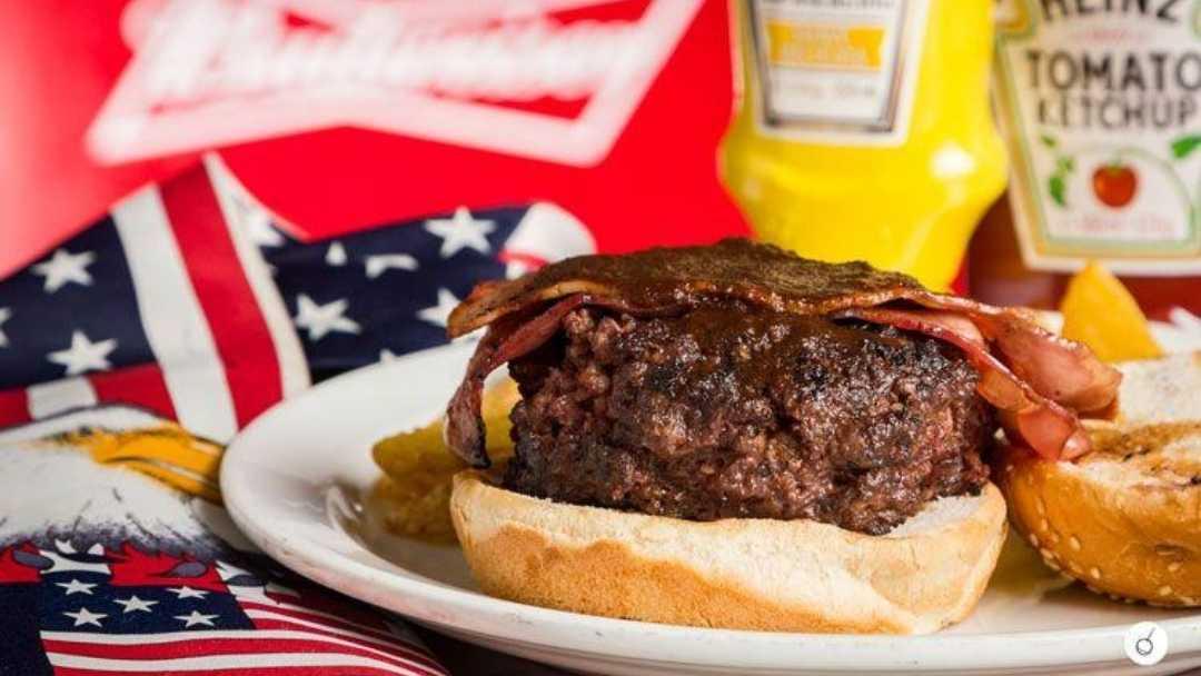 hamburguesa clásica de alfredos bbq