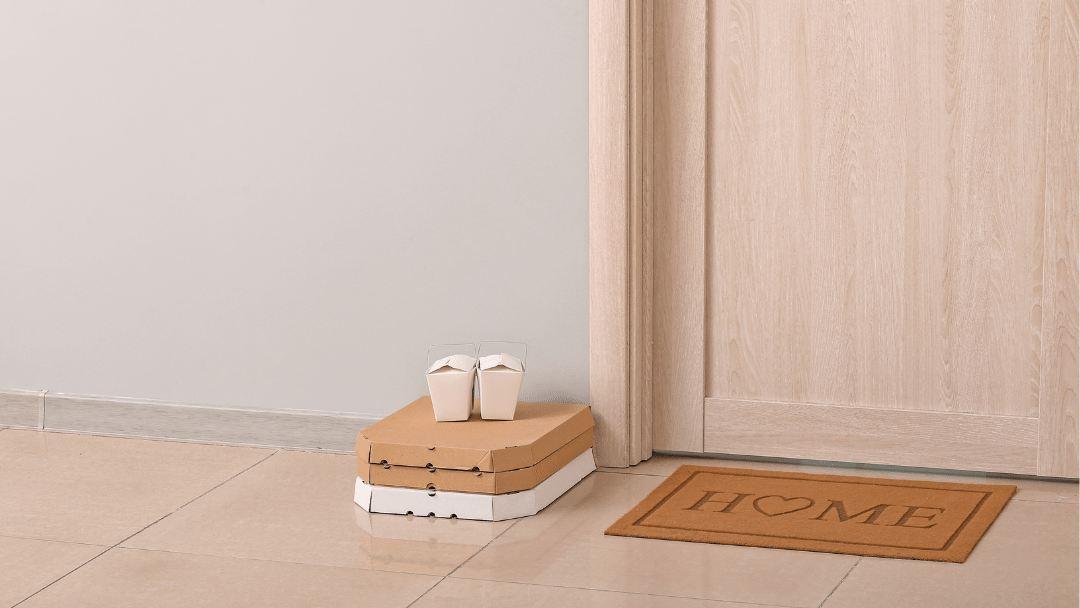 Imagen de unos productos delivery entregados sin contacto