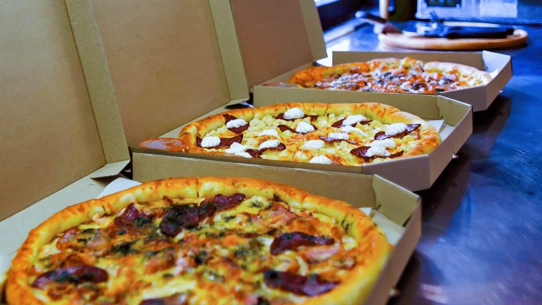 Servicio de entrega a domicilio en pizzería