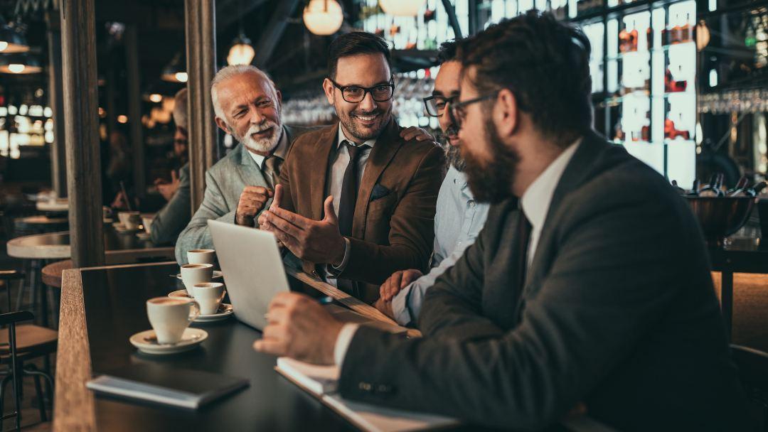 Reunión de gerentes de un negocio hostelero