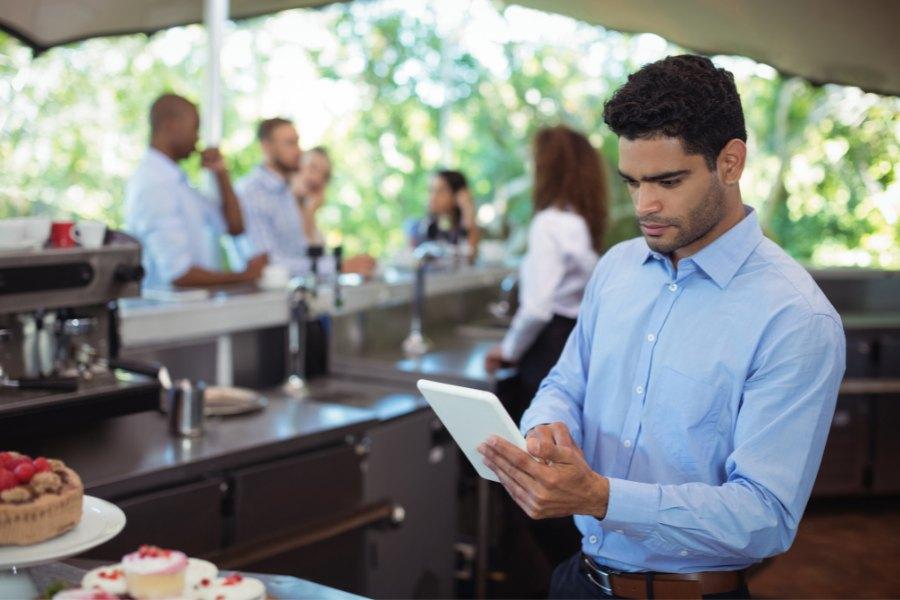 comandero para tomar las comandas en la terraza del restaurante